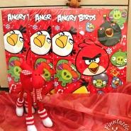"""(FOTO: Finntastic) Zu gewinnen gibt es: 3 x 1 """"Angry-Birds-Adventskalender"""" mit Schokoladenfüllung. (Die Elche sind nur Deko und gehören nicht zum Gewinn)"""