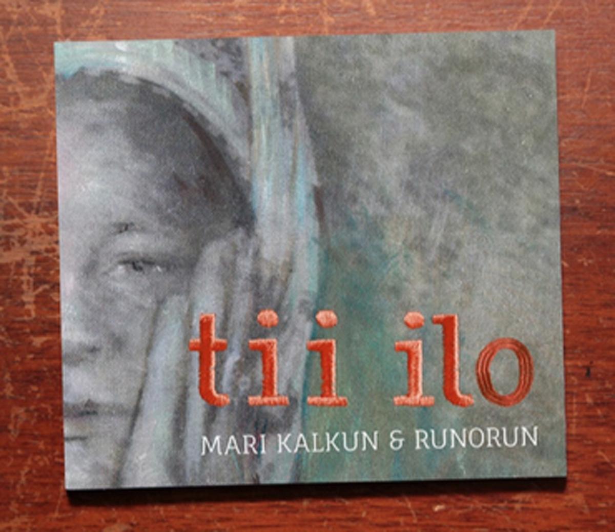 """(FOTO: Jussi Tiainen) Das von Tatjana Bergelt gestaltete Cover des Albums """"tii lo"""" der estnischen Sängerin Mari Kalkun und ihrer finnischen Band """"Runorun"""""""