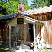 (FOTO: Finntastic) Das Holzhaus gehörte Aleksis Kivis Bruder Albert Stenvall.