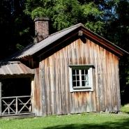 (FOTO: Finntastic) In diesem kleinen Holzhaus verbrachte der berühmte, finnische Schriftsteller Aleksis Kivi seine letzten Lebensmonate.