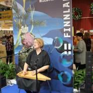 (FOTO: Finntastic) Anni Inkeri Korhonen beeindruckte mit ihrem traditionellen Saiteninstrument, einer finnischen Kantele.