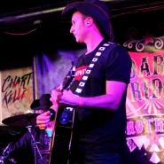 (FOTO: Finntastic) Leadsänger und Gitarrist Sven Langbein in Action.