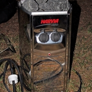 (FOTO: Finntastic) Der Saunaofen steht bereit für seinen ersten Einsatz!