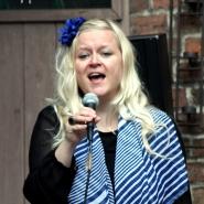 (FOTO: Finntastic) Uusikuu-Sängerin Laura Ryhänen bezaubert mit ihrer tollen Stimme.