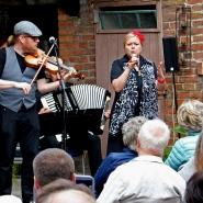 (FOTO: Finntastic) Das Uusikuu-Trio entführt den Zuschauer in die Welt des Finnischen Tangos.