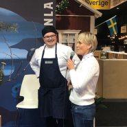 (FOTO: Finntastic) Teemu Kaijanen präsentiert zusammen mit Arja Eisenblätter den geladenen Gästen das Menu des kulinarischen Finnlandabends.