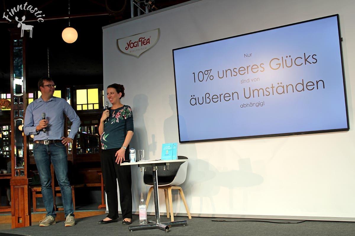 (FOTO: Finntastic) Anne und Olof sind sich sicher Besitz und Konsum allein machen uns nicht glücklich.