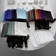 (FOTO: Juhani Karanka) Die selbstdesignten Elchledertaschen gibt es in vielen Farben.
