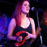 (FOTO: Homburg Fotografie) Die Mädels von Redheads and the King haben Rhythmus im Blut.