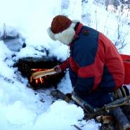 (FOTO: RENRAJD vualka) Auch im Winter funktioniert der alte Sámi-Ofen einwandfrei.