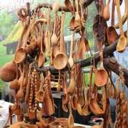 (FOTO: Finntastic)  Am  lettischen Pavillion gab es zudem eine riesen Auswahl an traditionellen Holzwaren.