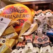 (FOTO: Finntastic)  Der norwegische Käse Jarlsberg, wird nach einem traditionellen, norwegischen Rezept hergestellt.  www.jarlsberg.com
