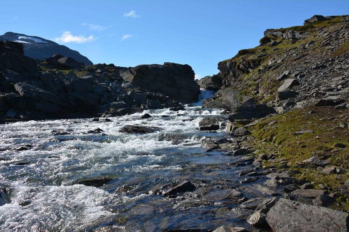 (FOTO: Liane Gruda) Schlucht des Flusses Hoiganjokko, Narvik-Gebirge, Sápmi.