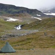 (FOTO: Liane Gruda) Gruda-Lavvu im Tal Gårsavagge, Gabna Sameby, Abisko-Gebirge, Schwedisch Lappland, Sápmi.