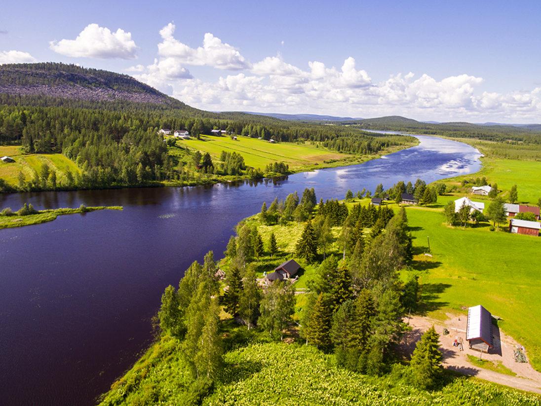 Ylitornio und die Landschaft des Aavasaksa im Sommer