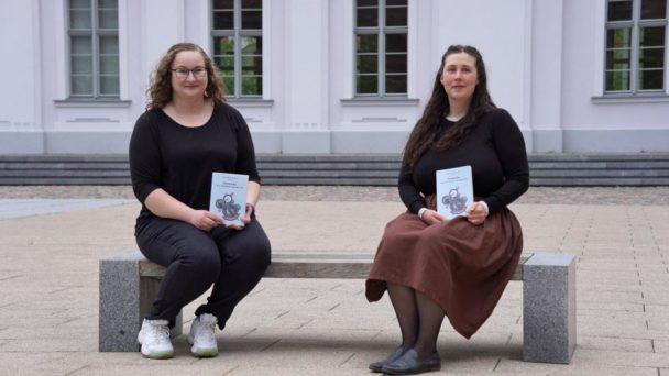"""Herausgeberinnen der """"Neuen Nordischen Novellen"""" Anja Köneke und Noëmi Grimm"""