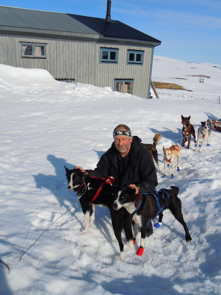 Dietrich Bender mit Huskies