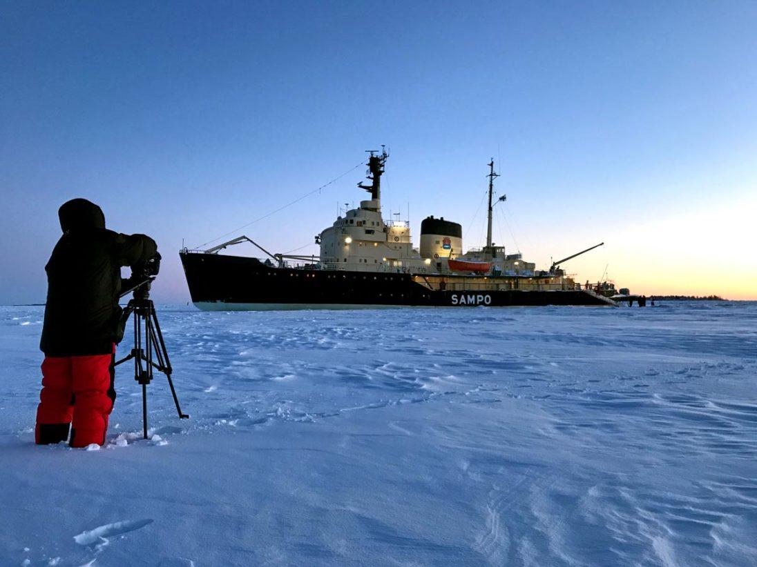 Dreh auf dem Eis mit dem Eisbrecher Sampo