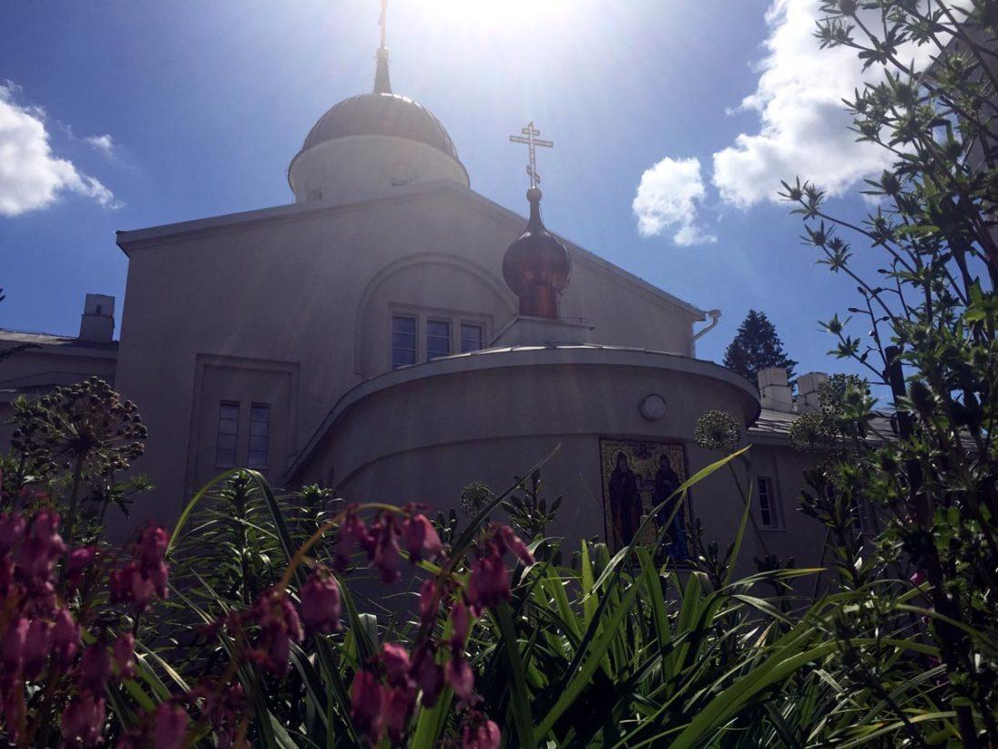 Männerkloster Uusi Valamo im Sonnenschein