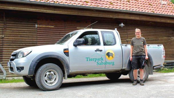 Zootierpflegerin Lena vom Tierpark Sababurg