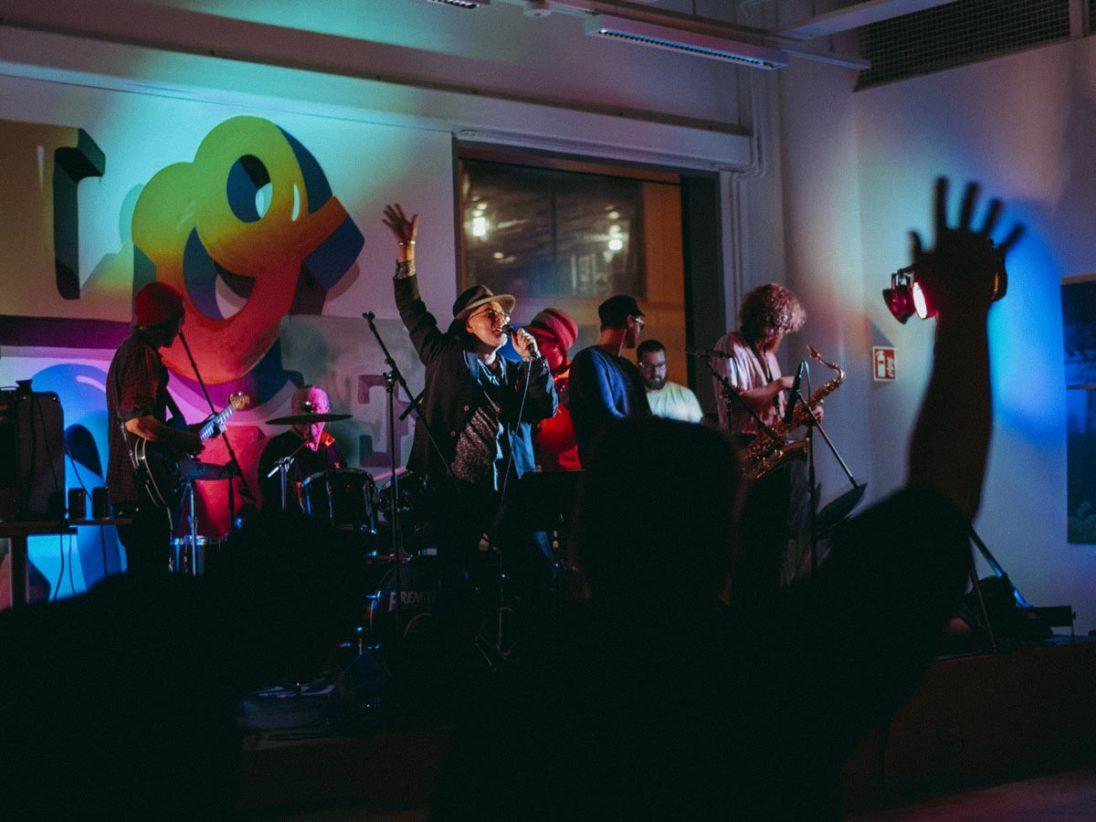 Konzert im Olohuone in Kalasatama