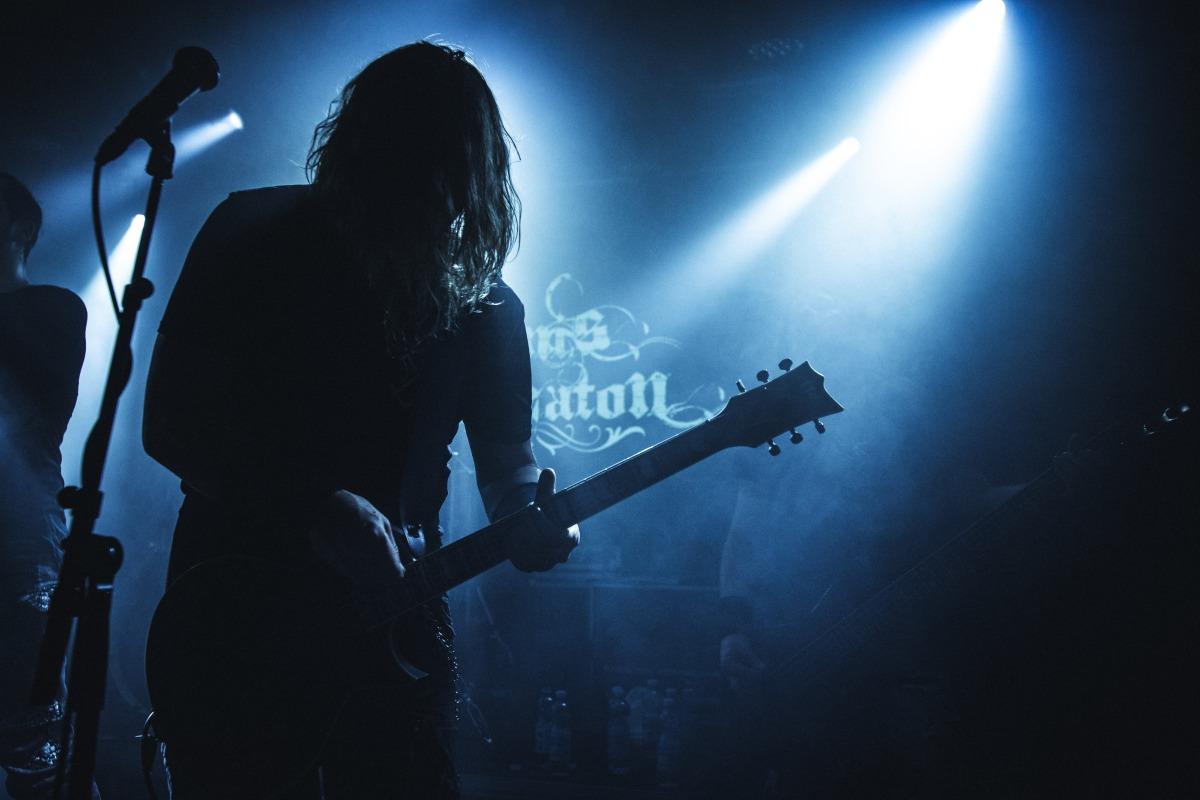 Mikko Heikkilä - Kaunis Kuolematon - on the Rocks