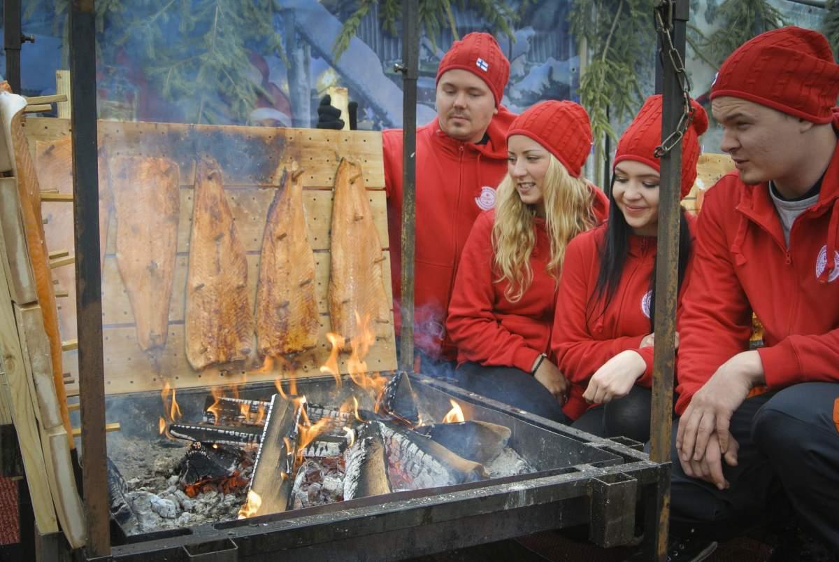 Flammlachs Finnisches Weihnachtsdorf Stuttgart - Kalevala Spirit