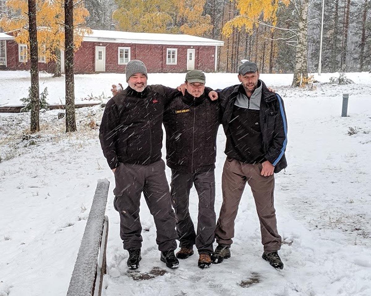 (FOTO: Hike and See) Andreas Diehl, Thomas Schicketanz und Christian Kaminski von Hike and See (v.l.n.r.) erzählen im Interview über ihre Outdoor- und Trekkingtouren  in Ostfinnland und verraten, was ihnen am Land der tausend Seen so gut gefällt.