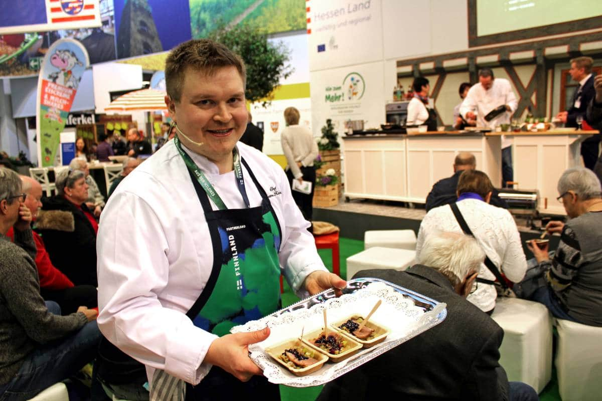 (PHOTO: Finntastic) Teemu Kaijanen presented Hessian-Finnish food during the Hessian-Finnish cooking event at the International Green Week 2019.