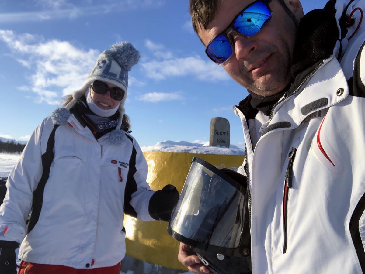 Tina und Daniel Lang auf Schneemobiltour
